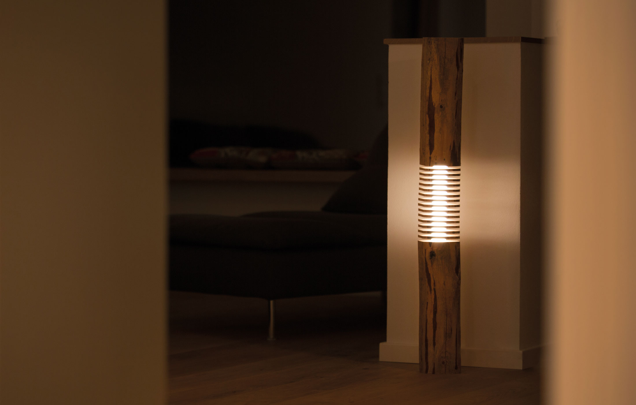lampen mit led leuchtmittel unikate aus holz. Black Bedroom Furniture Sets. Home Design Ideas